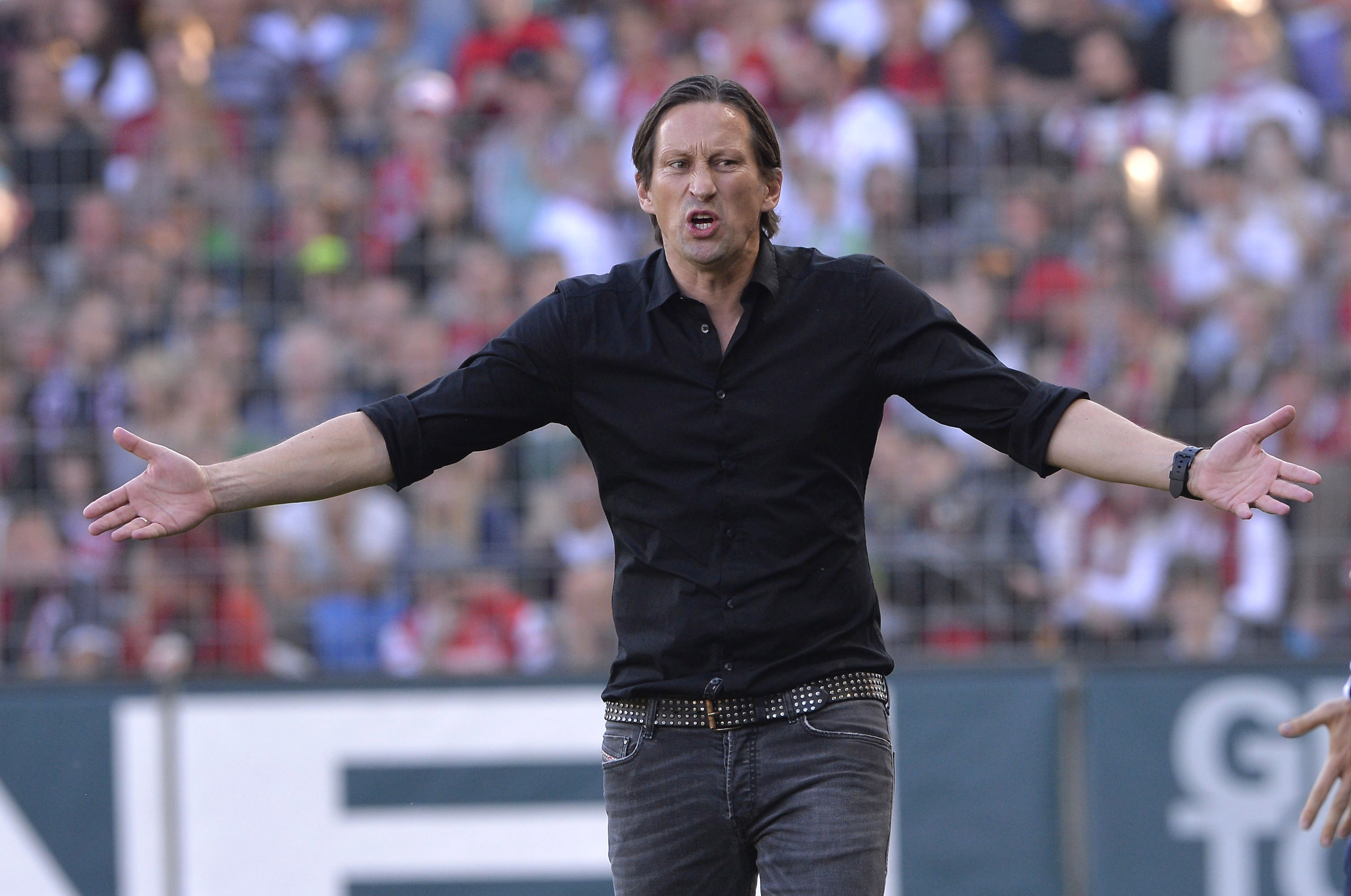 roger schmidt 39 s tactics at leverkusen a lookback. Black Bedroom Furniture Sets. Home Design Ideas